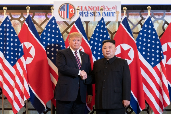 ▲Kim and Trump shaking hands for their second summit meeting