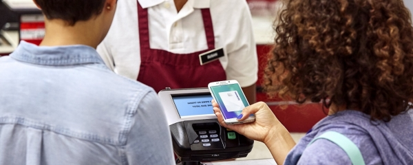 ▲ Using simple payment at a grocery store / Samsung Business      Insights