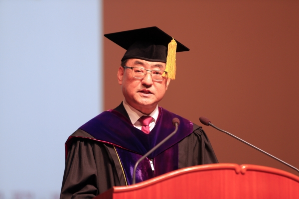 ▲Moo Hwan Kim at the presidential inauguration ceremony