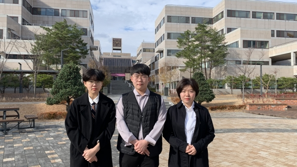 ▲Elected leadership of FSU and DU; Kim Jong-eun (CE 19), Son Do-won (EEE 19), and Lee Ji-seon (MSE 19) from the left